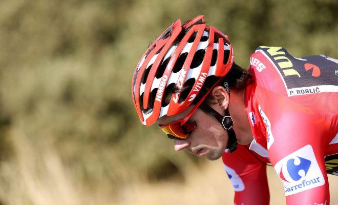 GRAF767. PUERTO DE LA MORCUERA (MADRID), 12/09/2019.- El ciclista esloveno del equipo Jumbo-Visma y líder de la clasificación general, Primo Roglic, rueda junto al pelotón a su paso por el Puerto de la Morcuera en la decimoctava etapa de la <HIT>Vuelta</HIT> ciclista a España 2019, que ha partido este jueves desde la localidad madrileña de Colmenar Viejo y finaliza en Becerril de la Sierra tras 177,5 kilómetros de recorrido. EFE/Javier Lizón