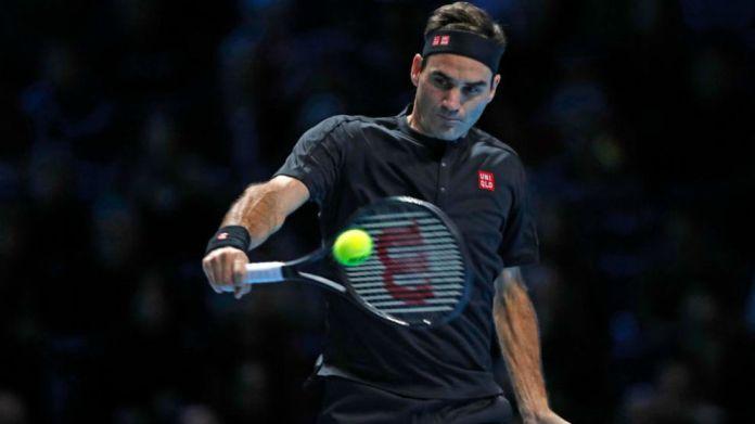 Federer hits rev