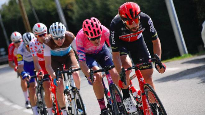 Thomas de Gendt y el resto de los fugados en la sexta etapa.