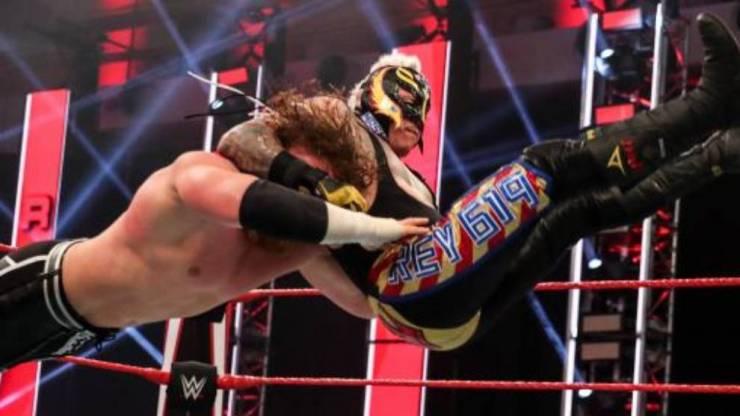 Rey Mysterio y su rivalidad con Seth Rollins