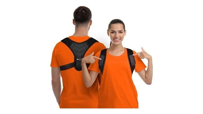 El corrector de postura que arrasa en Amazon: endereza la espalda y alivia el dolor de cuello y de hombros