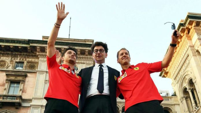 Charles Leclerc, junto a Binotto y Vettel en el pasado GP de Italia de...