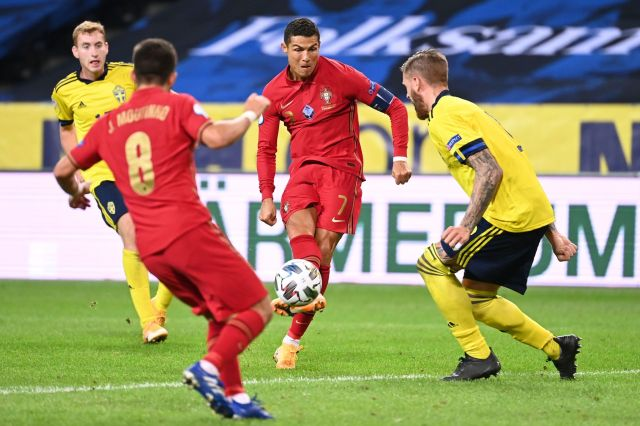 Nations League: Un centenario Cristiano Ronaldo le da la victoria a Portugal  en Suecia | Marca.com