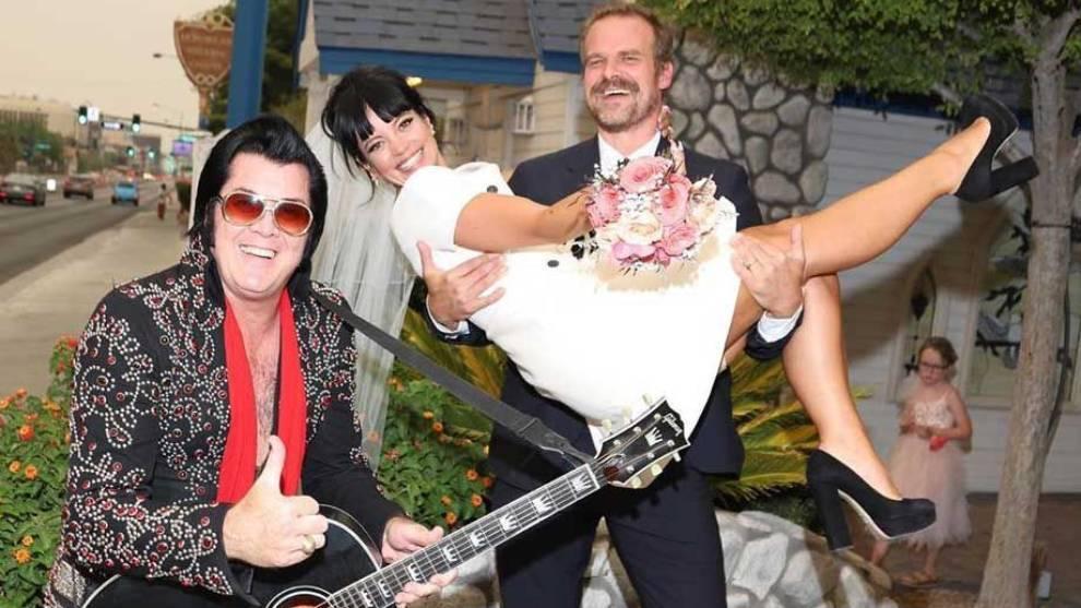 Lily Allen se casa en Las Vegas con el actor David Harbour, de 'Stranger Things'   Marca.com