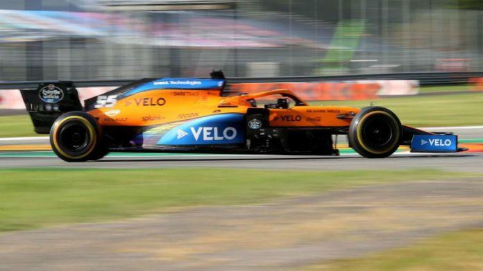 Carlos Sainz, con el McLaren MCL35.