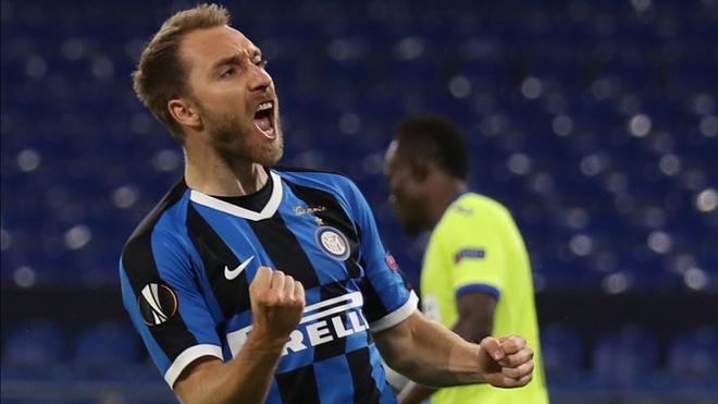 Erikse celeb un gol logrado con el Inter.