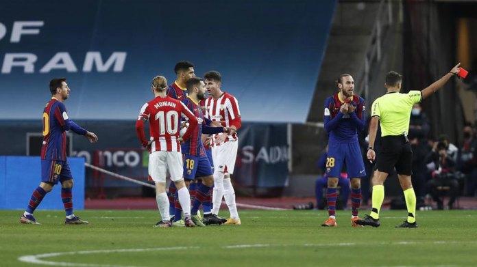 Gil Manzano dhe Leo Messi