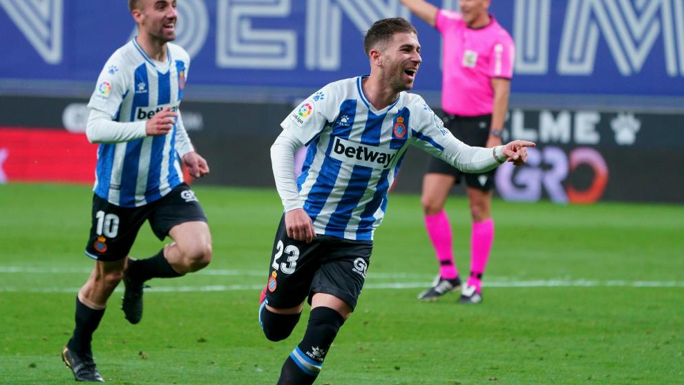 Embarba celebrates one of his eight goals this season, in this case, against Logroñés /