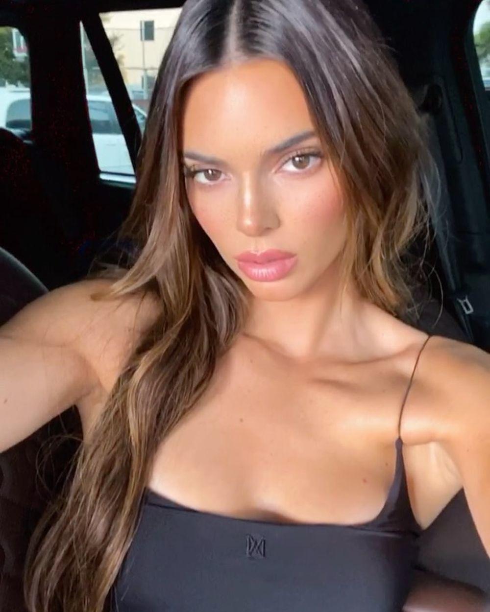 To revisit this article, visit my profile, thenview saved. Desde Jennifer Lopez A Kendall Jenner O Beyonce Todas Quieren Probar El Mismo Corte De Pelo Este Otono Telva Com