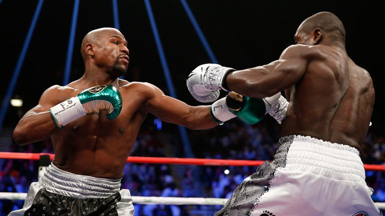 Mayweather won a unanimous decision against Berto