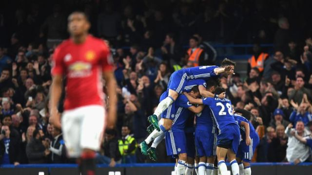Chelsea celebrate after going 4-0 up against Manchester United