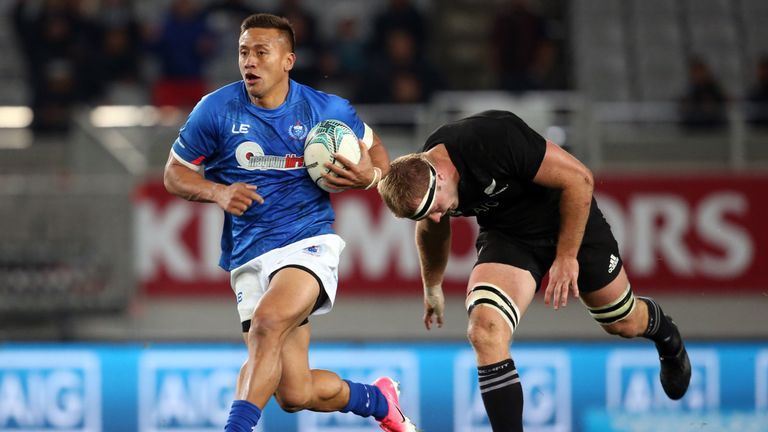 Nanai-Williams gets away from Sam Cane against New Zealand in Auckland