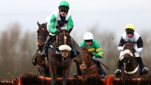 Vinndication is clear of his rivals at Huntingdon