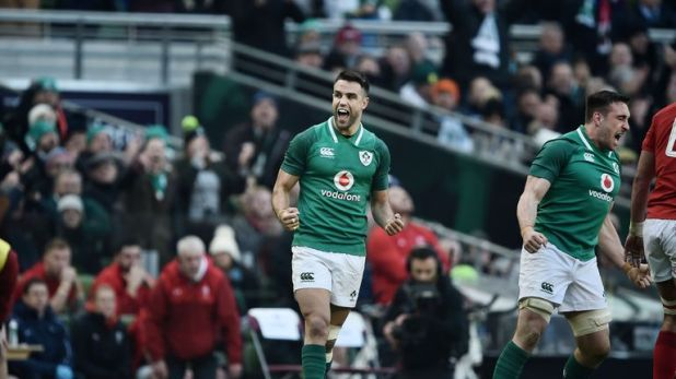 Conor Murray will play his rugby in Ireland for three more years after putting pen-to-paper on a new IRFU contract