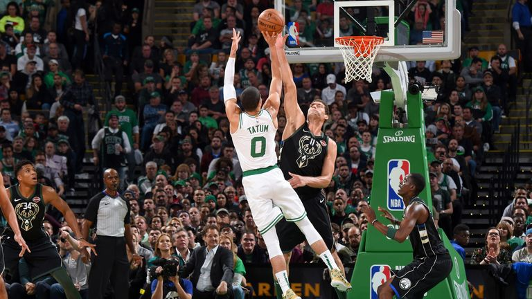 BOSTON, MA - NOVEMBER 1: Brook Lopez #11 of the Milwaukee Bucks contests a shot against the Boston Celtics on November 1, 2018 at the TD Garden in Boston, Massachusetts. NOTE TO USER: User expressly acknowledges and agrees that, by downloading and/or using this photograph, user is consenting to the terms and conditions of the Getty Images License Agreement. Mandatory Copyright Notice: Copyright 2018 NBAE (Photo by Brian Babineau/NBAE via Getty Images)