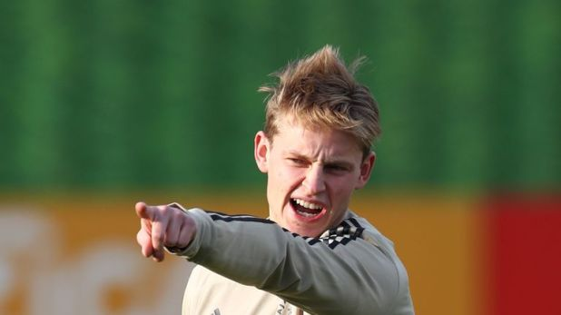 Frenkie de Jong is confirmed fit to play for Ajax against Real Madrid by head coach Eric ten Hag