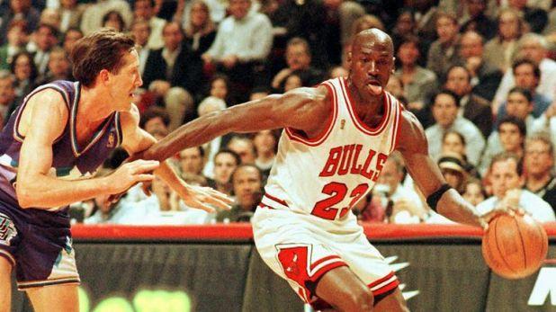 Michael Jordan drives at Jeff Hornacek in the 1997 NBA Finals