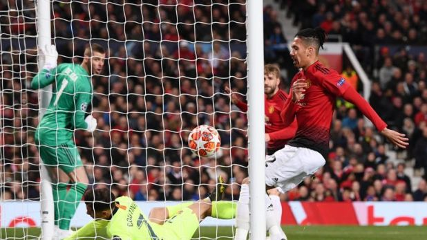 A Luke Shaw own goal sees Barcelona with a 1-0 lead against Man Utd