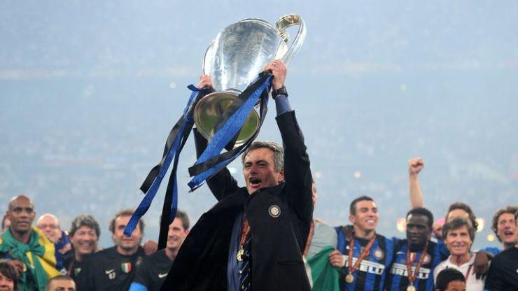 Jose Mourinho celebra ganar la Champions League con el Inter de Milán en 2010