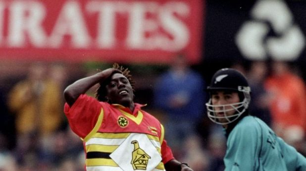 New Zealand edged out Zimbabwe for a semi-final spot in 1999 after rain in their Super Sixes clash