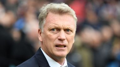 David Moyes has questioned Manchester United's transfer policy