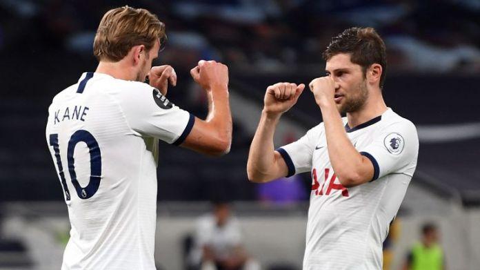 Harry Kane celebrates scoring with Ben Davies