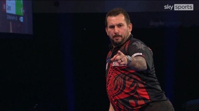 Jonny Clayton broke Krzysztof Ratajski with a 150 checkout, only for The Polish Eagle to hit straight back with a 113.