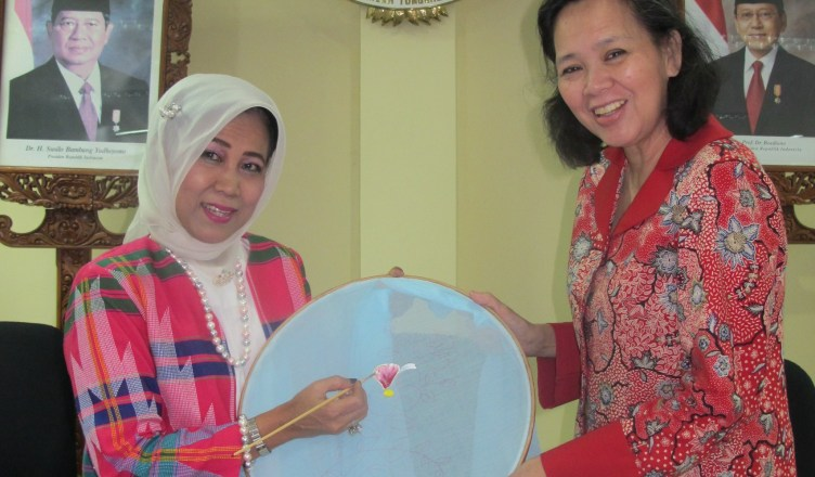 opening fabric painting class