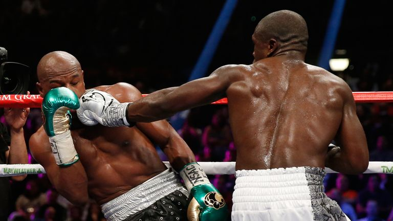 Berto made life difficult for Mayweather at times