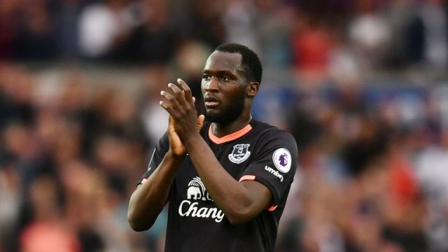 Manchester United are reportedly trying to sign Everton striker Romelu Lukaku