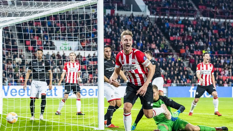 Eredivisie Round Up Psv Hit Emmen For Six To Continue