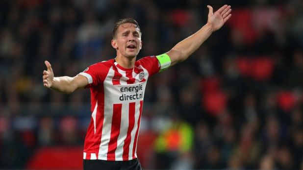 Luuk De Jong scored twice for PSV