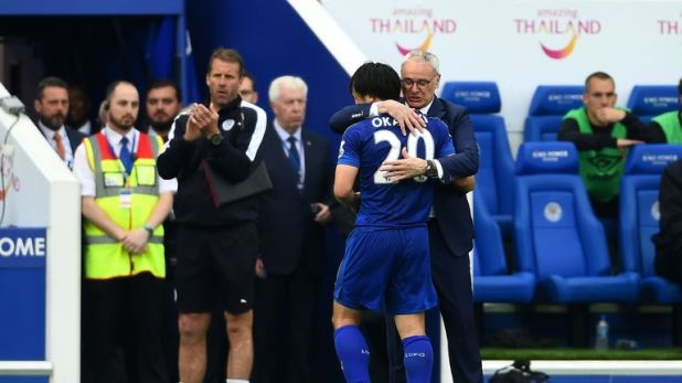 Okazaki and Claudio Ranieri during Leicester City's title winning campaign