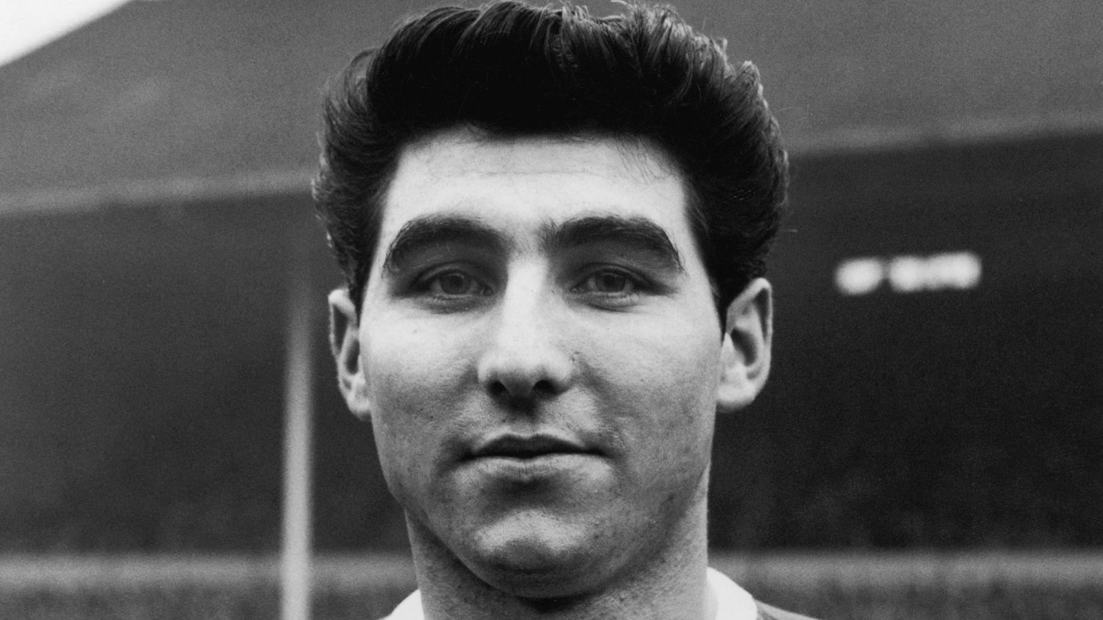 Photo of Tony Dunne: Manchester United European Cup winner dies aged 78