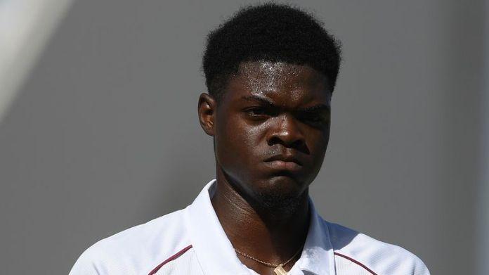 Joseph grał przeciwko Anglii na Antigui w zeszłym roku po śmierci swojej matki