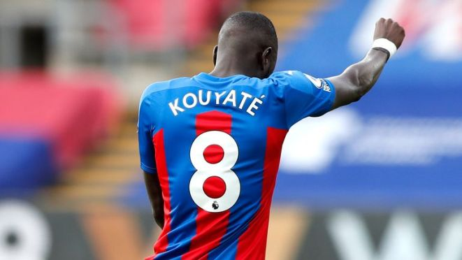 Cheikhou Kouyate takes a knee in support of Black Lives Matter