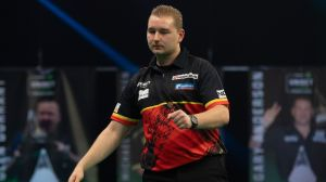 Darts in the 2021 Premier League: Dimitri Van den Bergh returned to first place;  Glen Durrant before elimination  Darts News