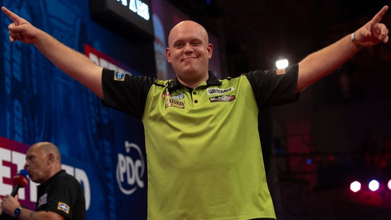 Michael van Gerwen finished off Ian White's hopes to set up a quarter-final clash against Nathan Aspinall at the World Matchplay
