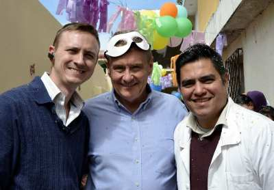 Timothy Martiny, James K. Waller and Roberto, the director of ABI in guatemala