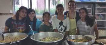 Sharie teaching cooking classes at Fundaninos