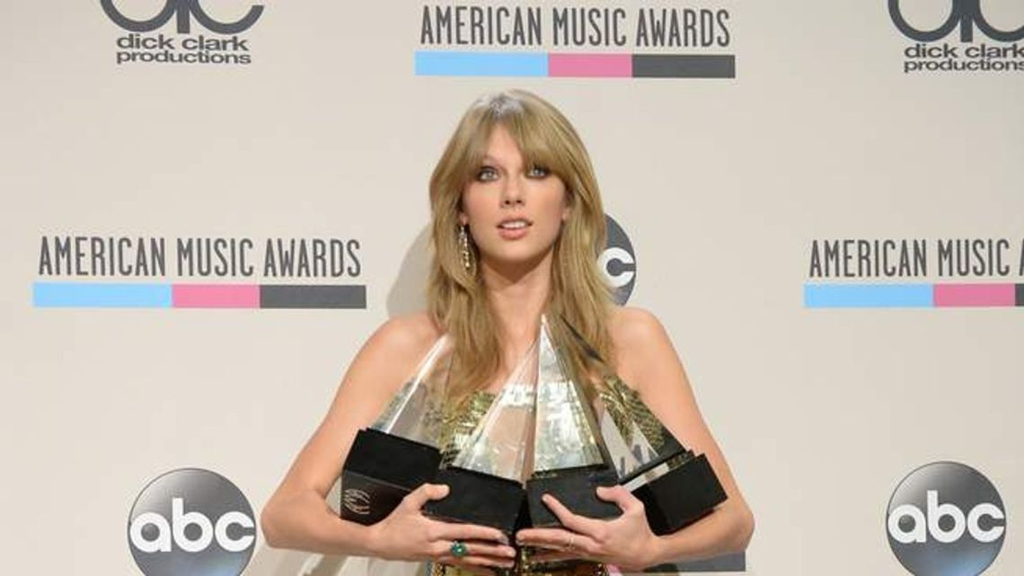Download American Music Awards: Fans Go For Taylor Swift | Ents ...