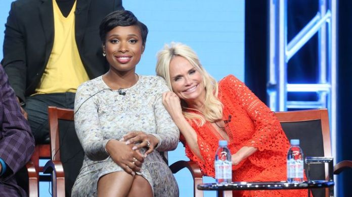 Actresses Jennifer Hudson (L) and Kristin Chenoweth take part in the Hairspray Live! panel discussion during the NBCUniversal portion of the 2016 Television Critics Association Summer Tour in Beverly Hills  Aretha Franklin's funeral: Stars who'll be there 520dc1e672d38e23a8f918cf29a09e1f0dcd1b9bed0d85e9a7ee74584f491bb3 3756823