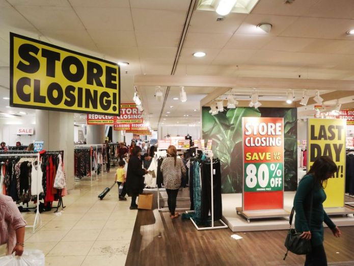 BHS on Oxford Street in London, as the flagship store prepares to pull down its shutters for the final time  BHS audit partner at PwC faces fine and 15-year ban 51b2fa02e8d247a8678101be7c1fde94b31471acd10339d1ab830458e29ceab8 3764125
