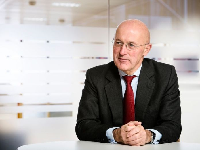 Sir Philip Hampton chairs Anglo's remuneration committee  FTSE bosses face new test in 'one and done' diversity drive 220e99a438dc86305a6e70eb4be2ae14366a0731c09c8d07e168fffbf3f2421f 3894488