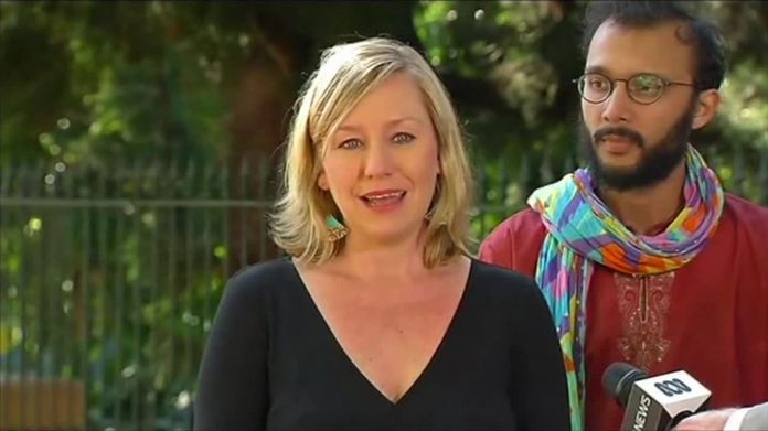Australia's 'Kiwi' deputy PM Barnaby Joyce drawn into dual citizenship crisis Australia's 'Kiwi' deputy PM Barnaby Joyce drawn into dual citizenship crisis ef80eab5260479e23d7268a216a9f4dcba50a9fb244e4e905afce11a472c5cf3 4004694