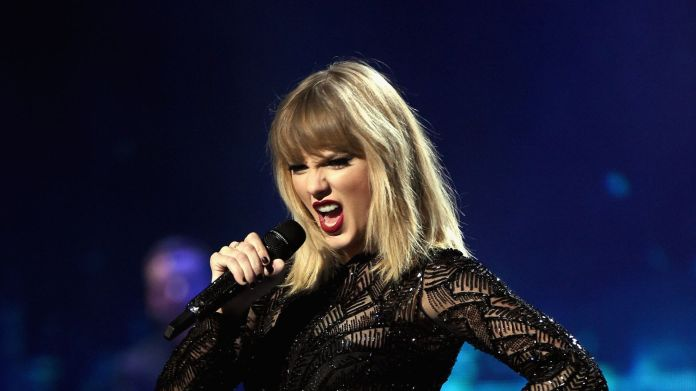 Taylor Swift Judge throws out DJ's case against Taylor Swift Judge throws out DJ's case against Taylor Swift 2989a8831a9939b5e739803b82c150b15d498aa792a1f98c39af2475aa7559a0 4068785