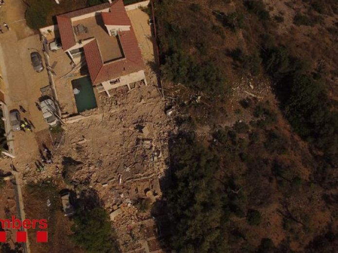 Damage caused by the explosion at a property in Alcanar. Pic: @bomberscat Imam's home raided as police hunt terror mastermind Imam's home raided as police hunt terror mastermind 30b39a5dd4f5b51962ddb2c641eda3bd8aeedb5eafec2acda71384a0e9ba18ce 4076310