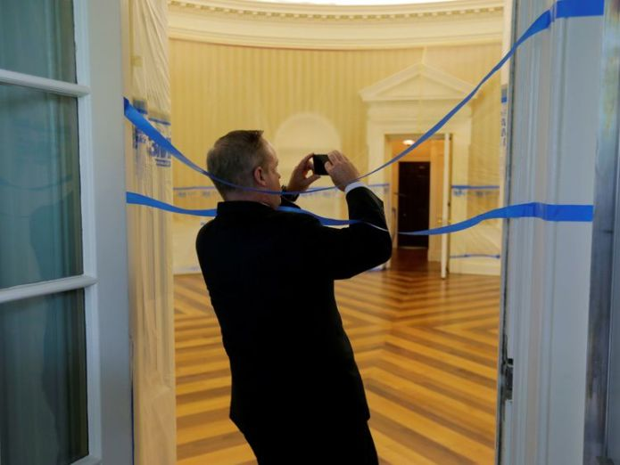 WASHINGTON, DC - AUGUST 11: The Oval Office sits empty and the walls covered with plastic sheeting during renovation work at the White House August 11, 2017 in Washington, DC. SEAN SPICER takes a picture. Donald Trump orders Oval Office makeover Donald Trump orders Oval Office makeover b558c3d52f93c1c294522463cbd8cdad31219271625602dcc5be9033fb619f5d 4071644