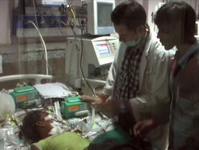 Medical staff tending to children in hospital beds, at the Baba Raghav Das Medical College Hospital Oxygen supply blamed as 60 children die at one hospital in India Oxygen supply blamed as 60 children die at one hospital in India f8edd517502865e2f2bfc8a93752dfa52a452982b2100282830ac7d72bbbc974 4071918
