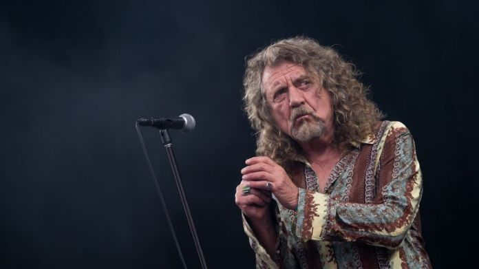 GLASTONBURY, ENGLAND - JUNE 28: Robert Plant performs on the Pyramid Stage during day two of the Glastonbury Festival at Worthy Farm on June 28, 2014 in Glastonbury, England. (Photo by Ian Gavan / Getty Images)
